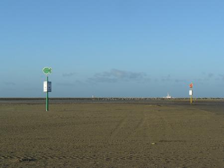 41 voor dit bord rechts het strand af