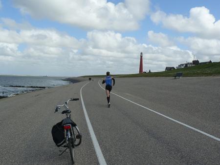 75 buitendijks langs Lange Jaap en dan nog een paar km buitendijks