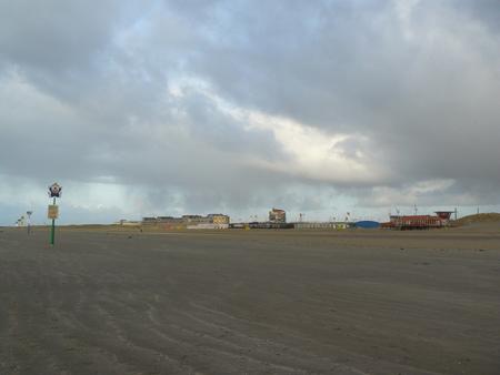 40 einde strand bij IJmuiden