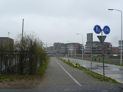 16 dan linksaf en 100 m doorsteken naar de Kranenburgweg