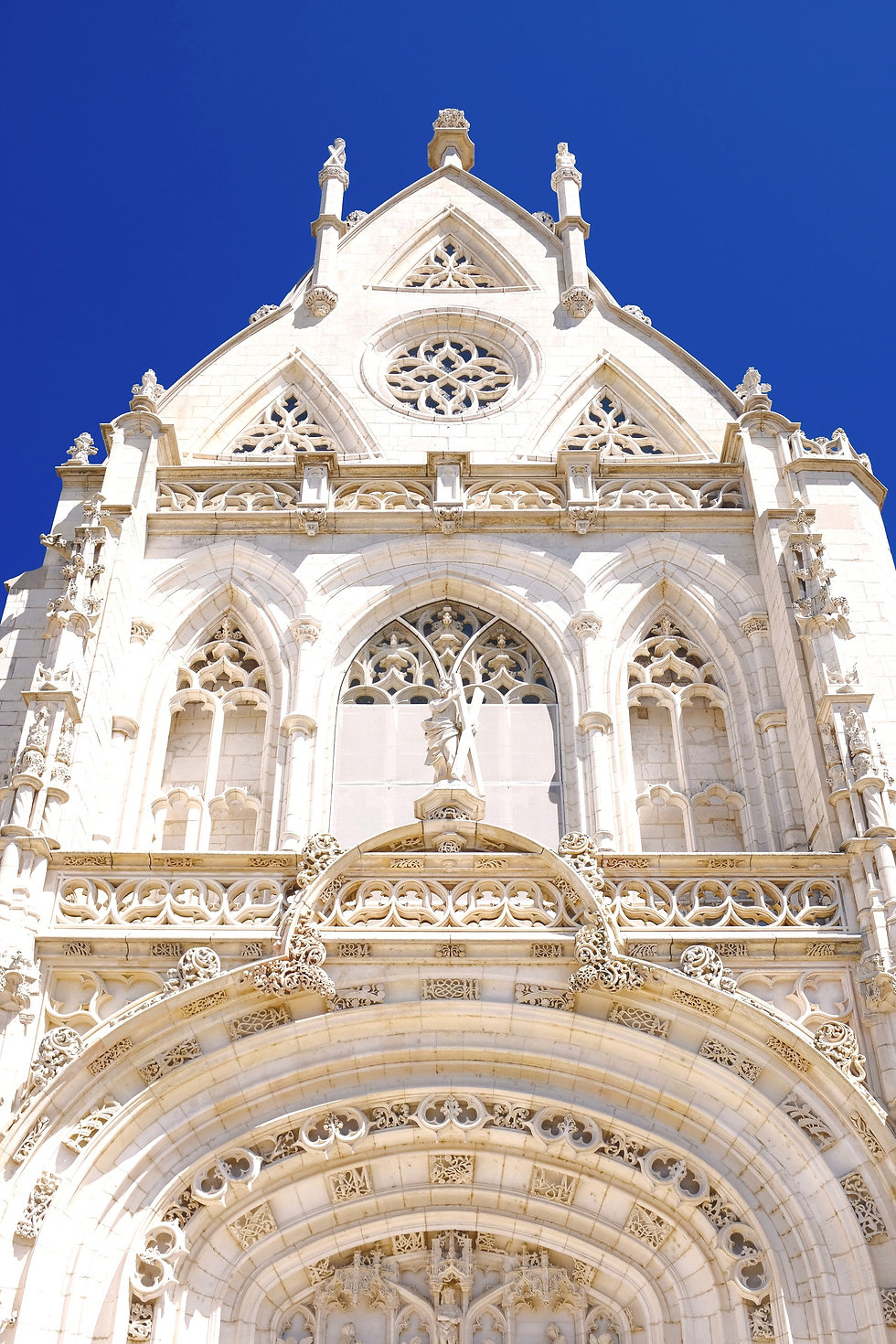 white%20and%20brown%20cathedral_edited.jpg