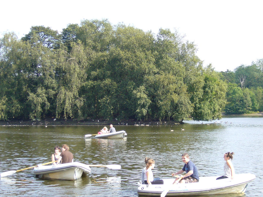 FRI-SUN: Rowing Boat