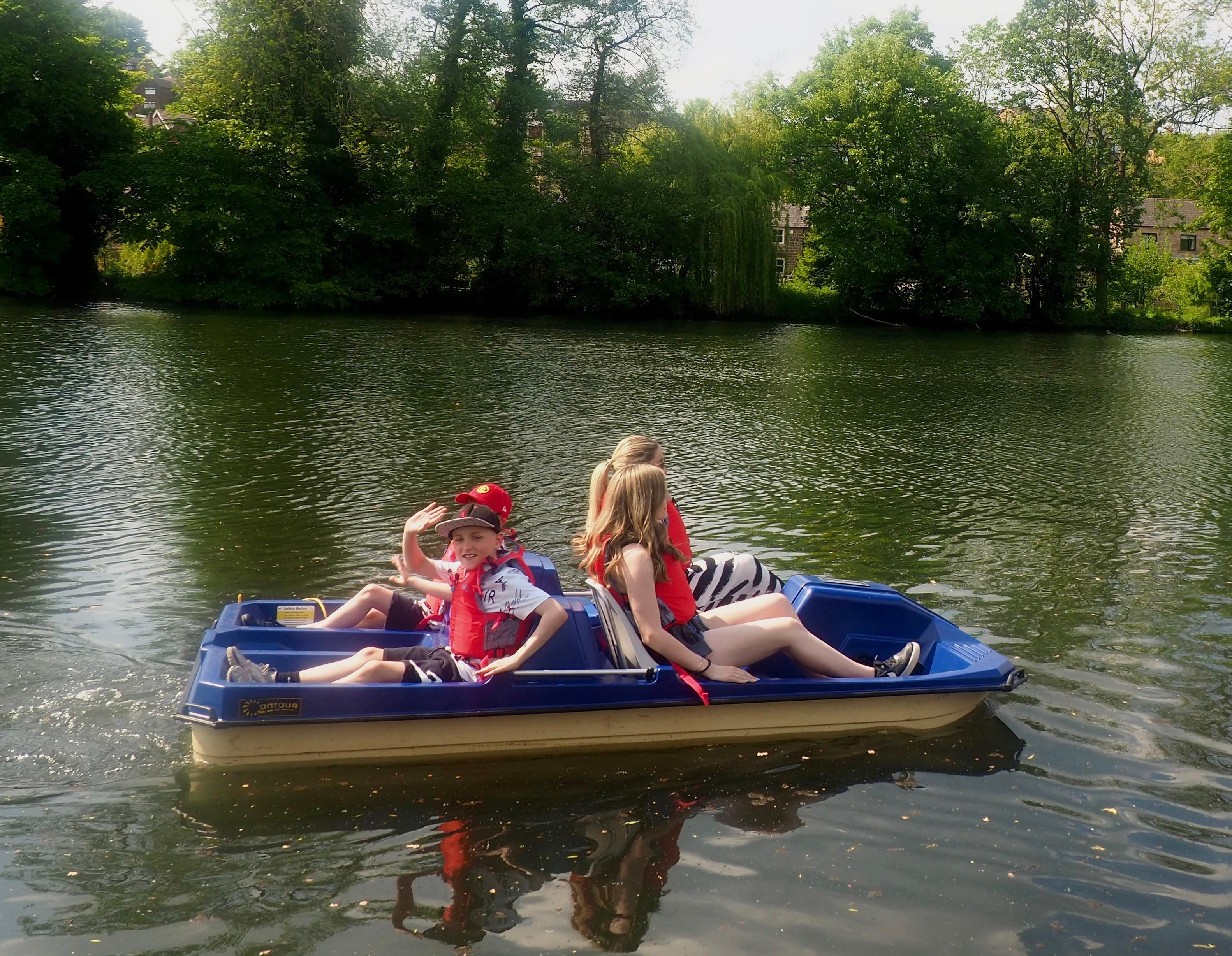 FRI-SUN: 50 Minute Hire Pedal Boat