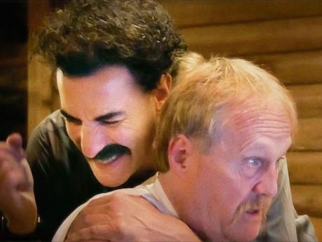 Lockdown Americano:  Borat volta a atacar - e a ensinar!