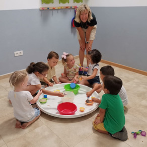 Goldilocks and the Three Bears - story and messy play. Plus English books for sale.