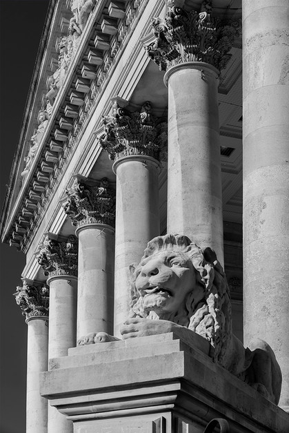 Corinthian Capitals, Portsmouth Guildhall