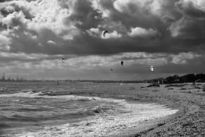 Lee on Solent kitesurfers