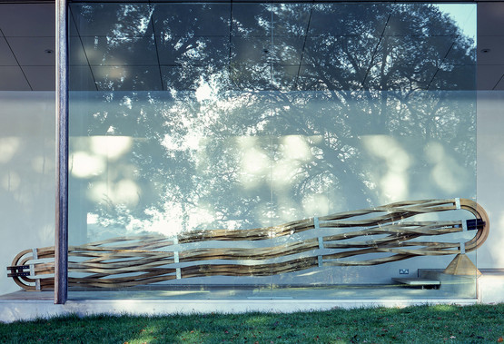 Richard Deacon sculpture, New Art Centre