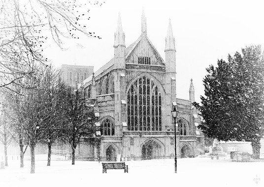 Winchester Cathedral - Snowing