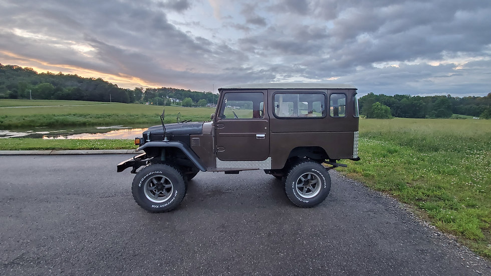 1981 Toyota Landcruiser BJ44 3.2 liter diesel 2b 4speed manual 4x4 51,108 miles