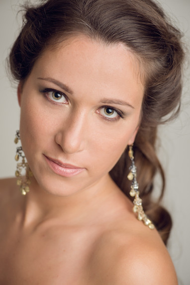Headshot for actors, artists, models, dancers, by Silvia Pangaro, Los Angeles