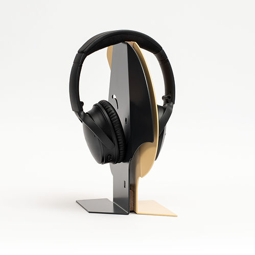 UHS_udrik_headphone_stand_female_001.jpg