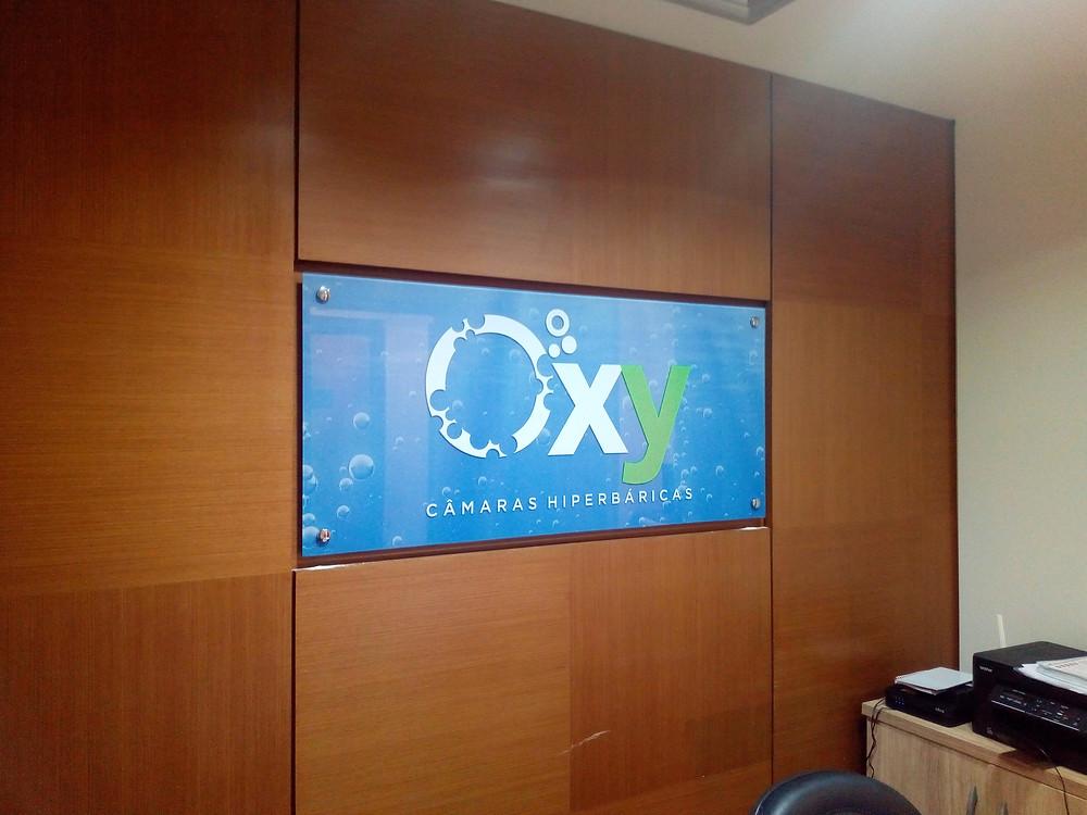 Painel de Vidro com Logotipo
