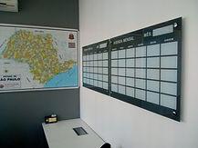 quadro-de-planejamento-mensal-em-vidro.j