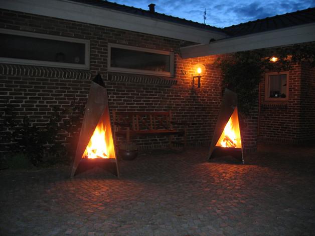 Tipi make a spectacular entrance at night