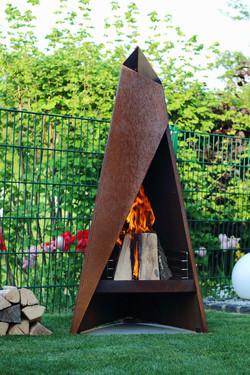Tipi Outdoor Fireplace