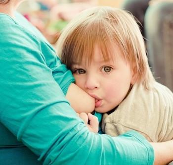 Desafíos que pueden encontrar las madres al amamantar a un bebé mayorcito