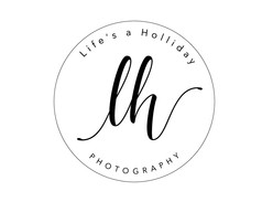 lifesahollidayphotography_circleblack.jpg