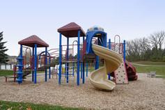 Woodrige Apartments outdoor playground