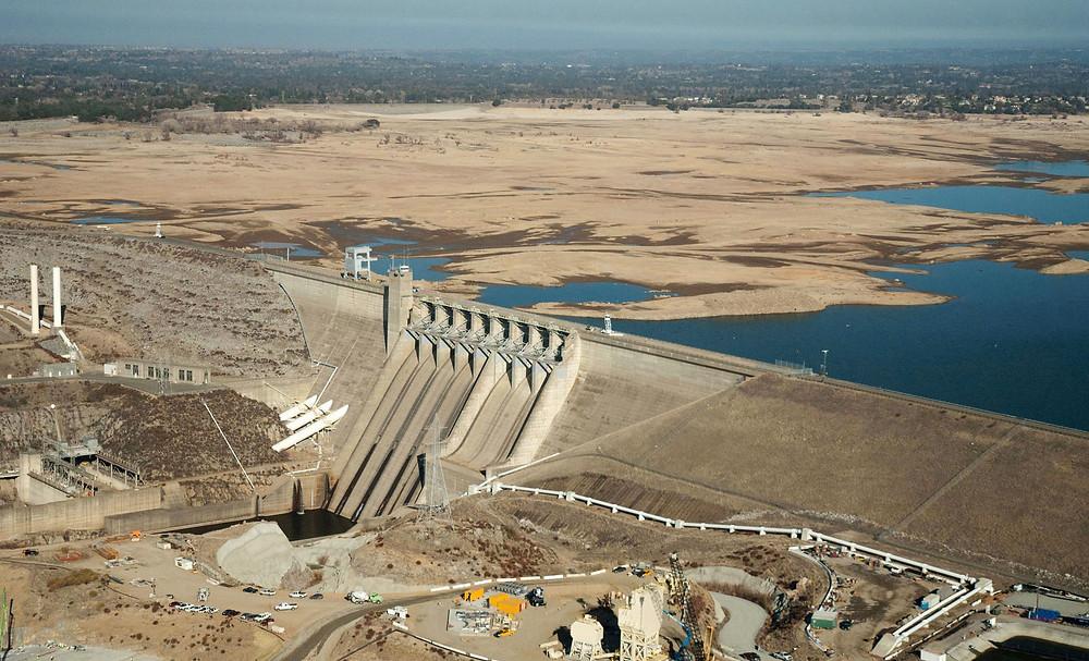 140226-folsom-lake-drought-january-720a_de41fd3a95ca62916f185ca9f8831f93.jpg