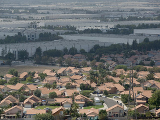 In California's Inland Empire, an Economic Recovery Brimming With Industrial Complexes