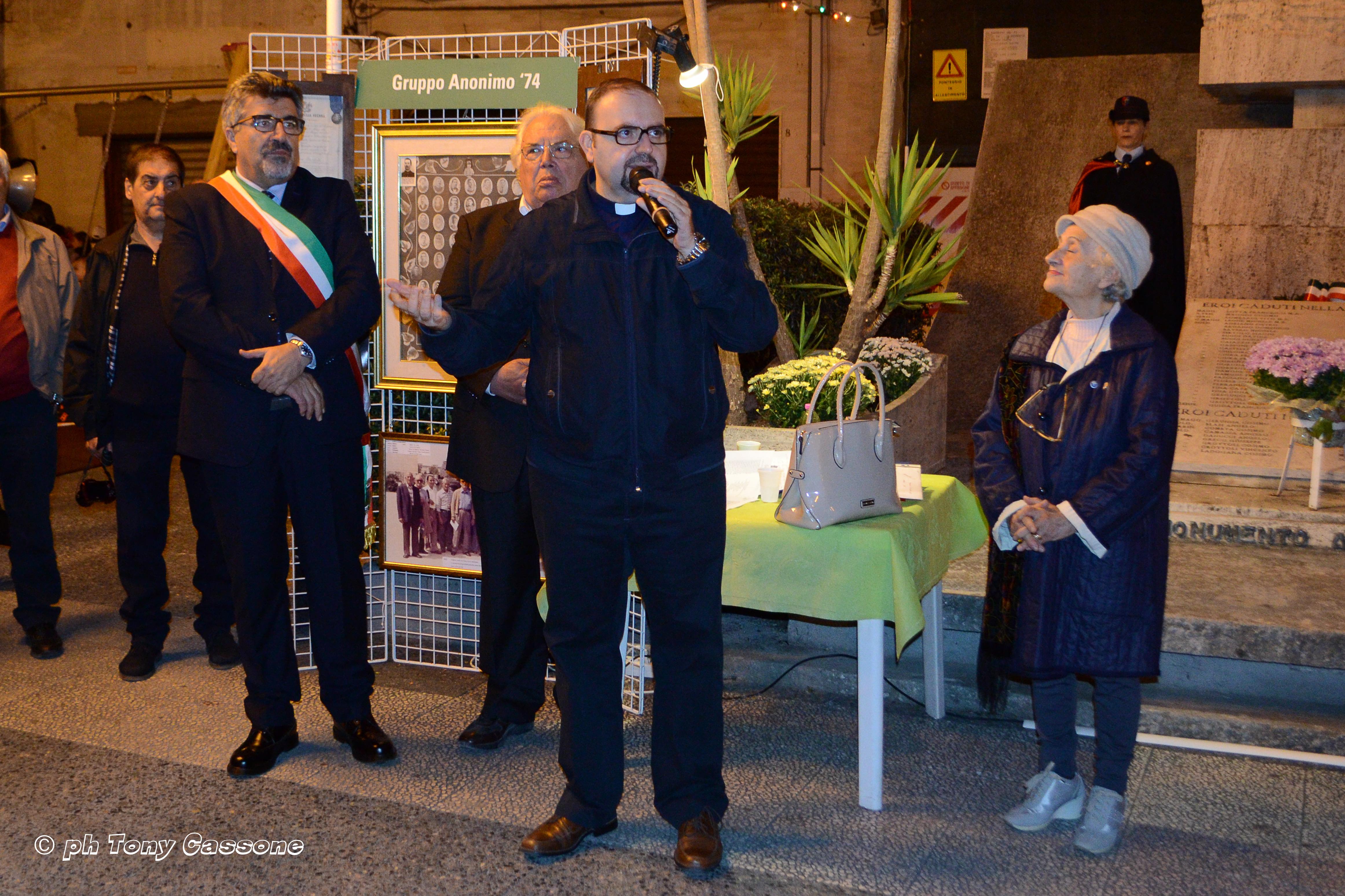 DSC_9139 IV Nov. 2016 il neo parroco Don Antonio Papagni