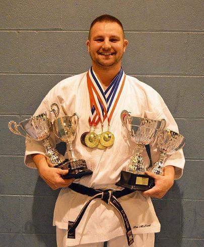 Lee-Grand-Champion-2015.jpg