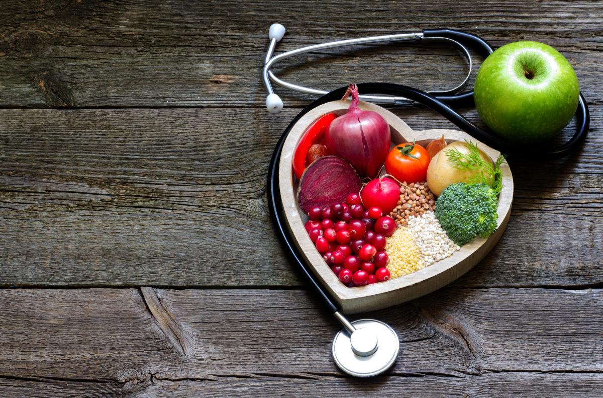 S3-iStock-495803382-food-medicine-1200x7