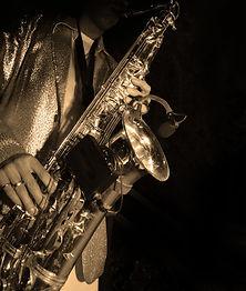 Jugador del saxofón de jazz