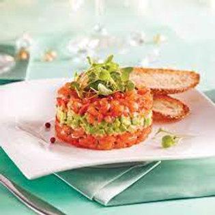 Tartare aux deux saumons, crème d'avocat et tartare de tomate, pousse d'épinard