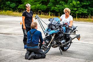 Maedels unter sich |girls only | BMW Schraeglagen Training Erlebnis | R1250 GS | F900 R | Kurventraining | Driving Area Wesendorf