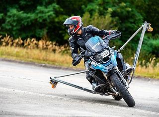 BMW Schraeglagen Training | onroad | kurventraining | R1250 GS | F900 R | Driving Area Wesendo