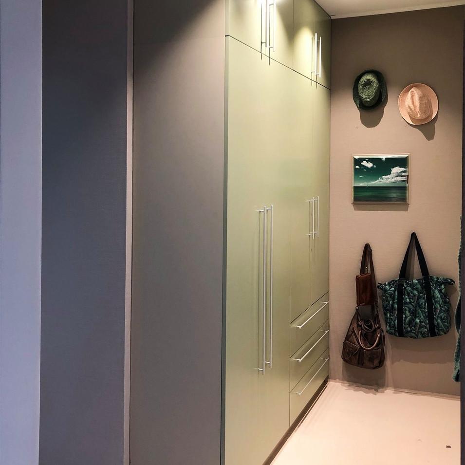 Garderobeskap, Moss