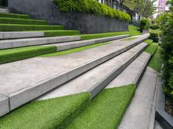 Kunstrasen-Treppe-Garten