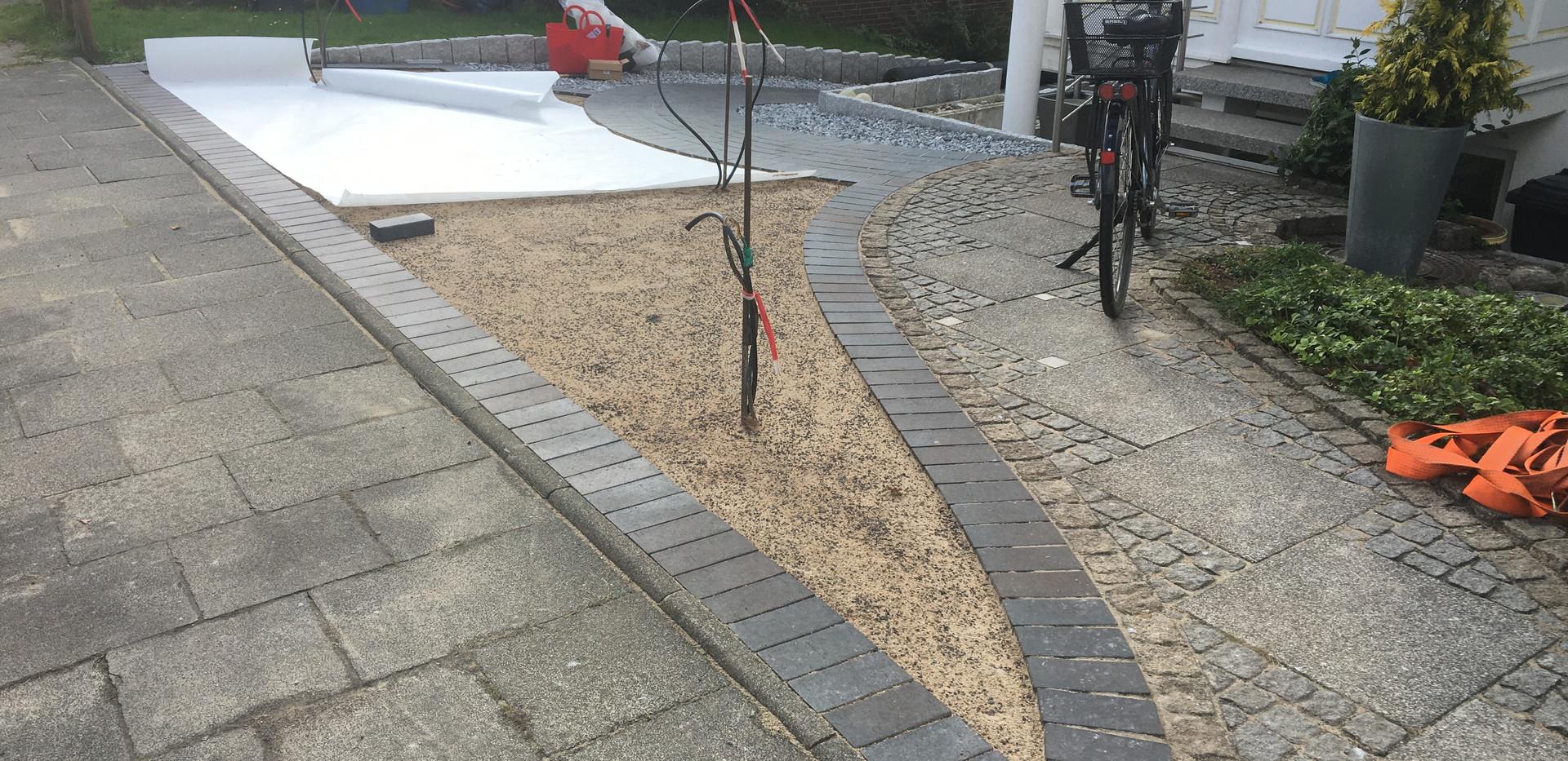 Kunstrasen-Garten-Verlegung.JPG