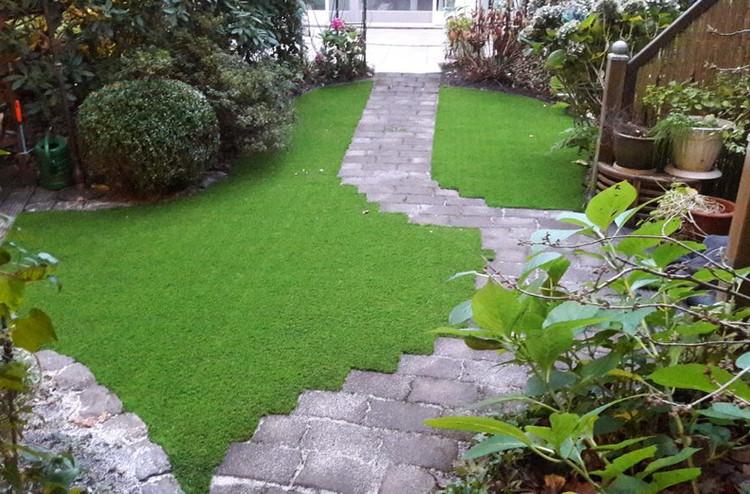 Kunstrasen-Garten-2.JPG