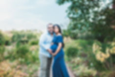 outdoor maternity photography session in garden