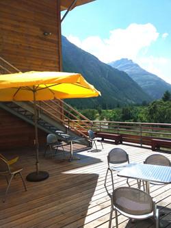 centre-de-vacances-la-bessannaise-terrasse-bessans