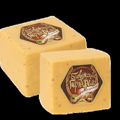 Сыр Трюфель с жареным арахисом Беловежские сыры 2кг