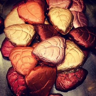 Dark Foil Leaves