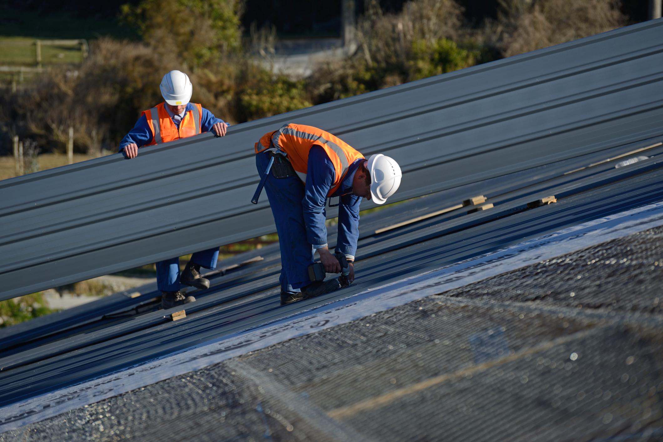 builders-on-top-48608345.jpg