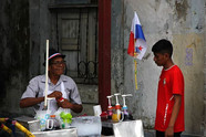 Shaved ice refreshment for Panamanian st