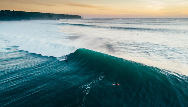 hawaii-island-surfing_h.jpg