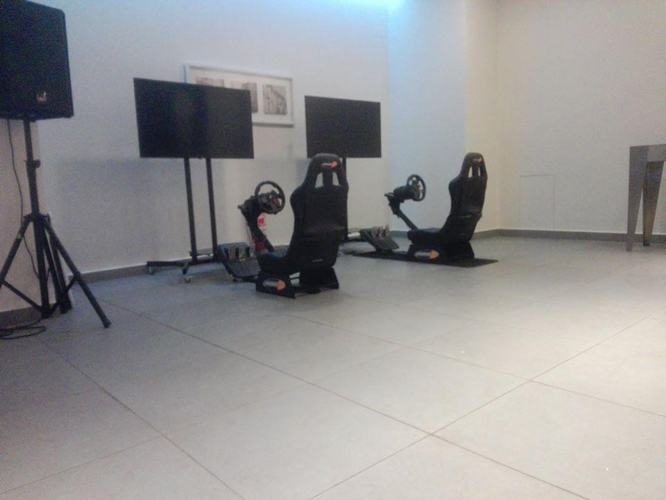arriendo de simuladores playseat