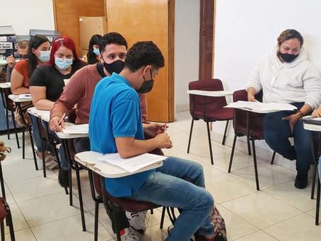 En alianza con Merkepaisa, inicia formación para el trabajo en la comuna 8
