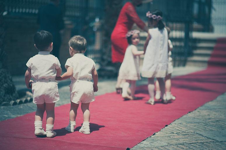 niños de espalda