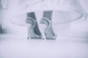 zapato novia en blanco y negro
