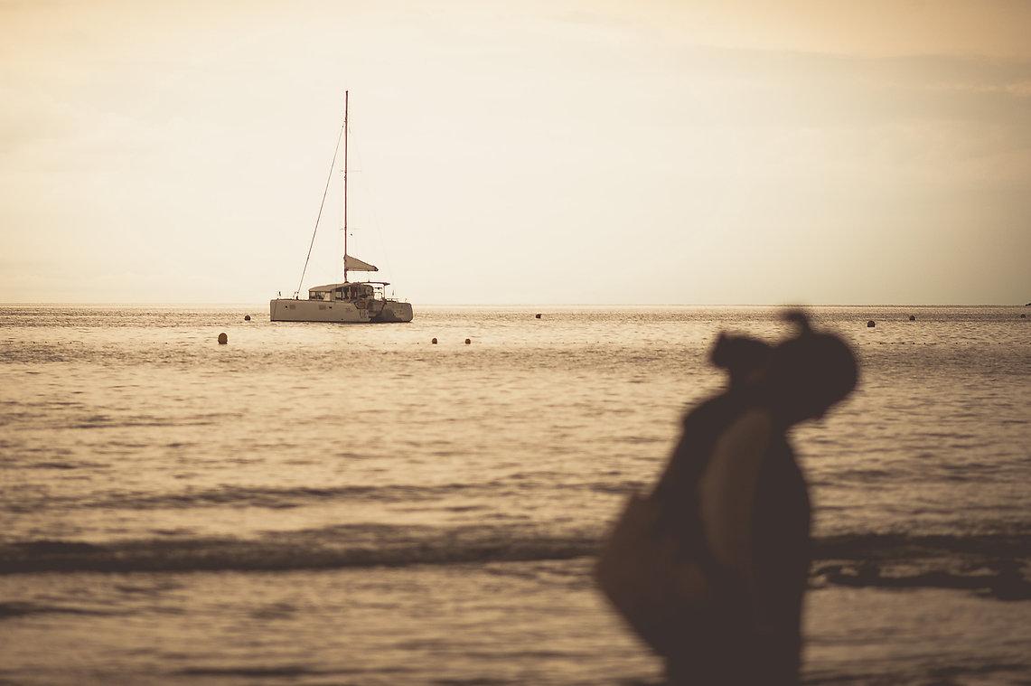 playa,barco, abrazos