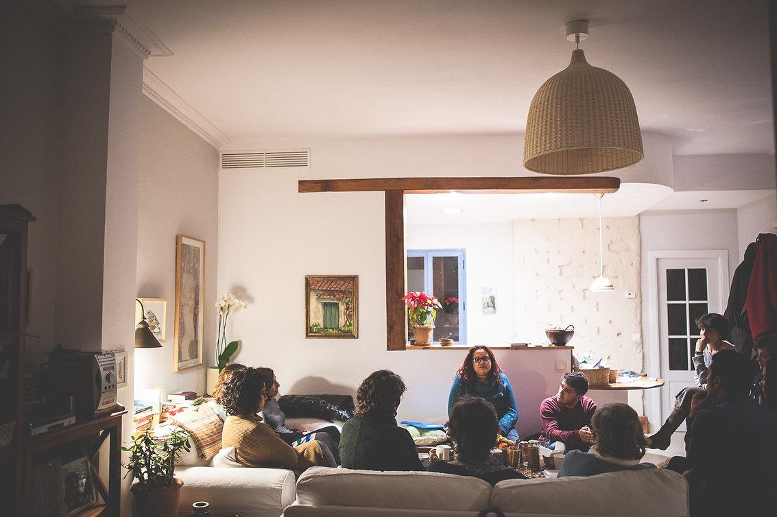 café informativo en casa de Ana