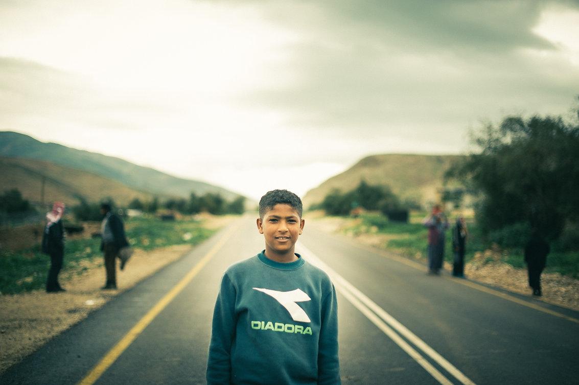 hijo llendo al colegio, teritorio palestino